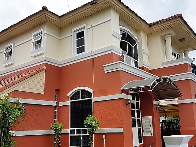 Central Pattaya 4 bedroom house for sale