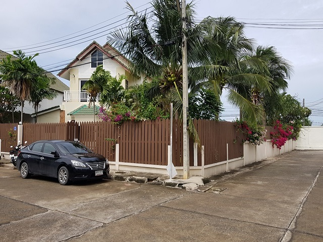 Pattaya 4 bedroom house,Reduced ,