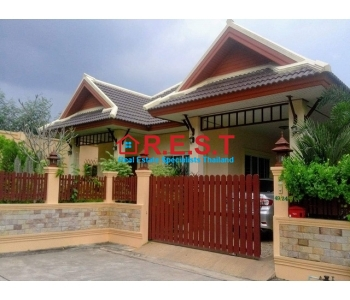 Pattaya 3 bed house rent Nongplalaie