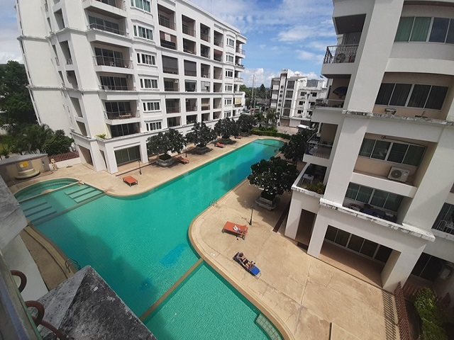 Jomtien beach condominium sale,
